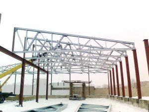 Установка стропильных ферм ангара ЛСТК