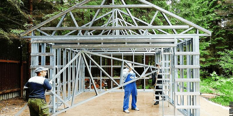Процесс строительства: сборка гаража из ЛСТК