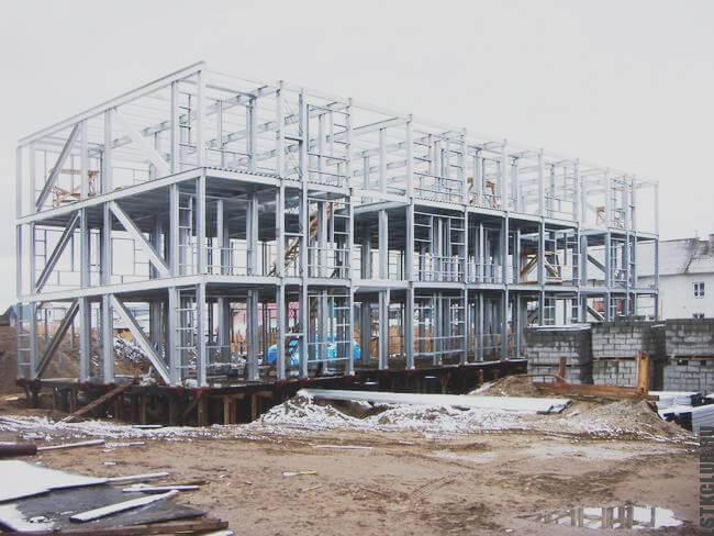 Строительство каркасного здания  с мансардным этажом