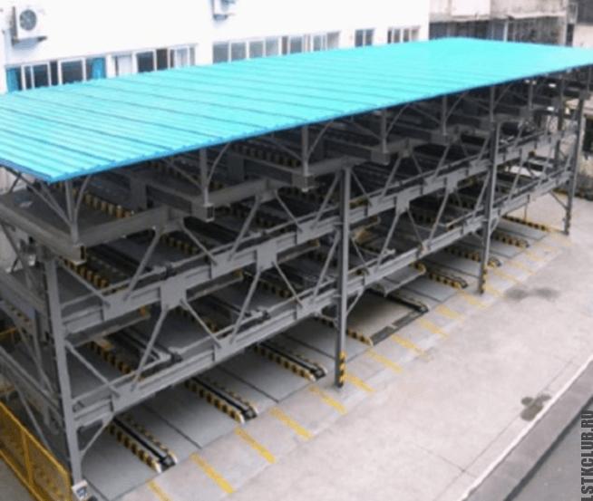 Многоуровневый паркинг из металлического каркаса