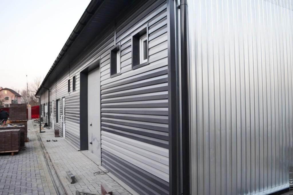 Магазин-склад из металлического каркаса