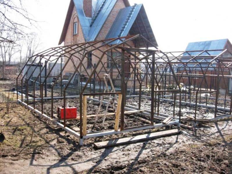Строительство каркаса теплицы под поликарбонат