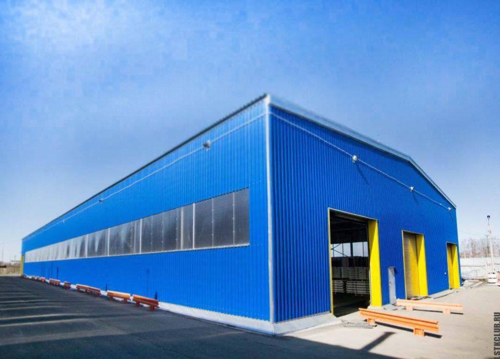 Готовый прямостенный склад из металлических конструкций