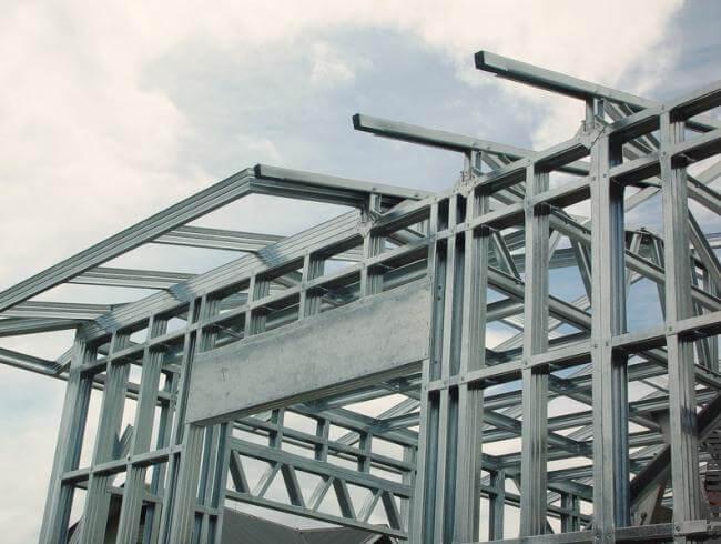 Ход строительства здания из ЛСТК