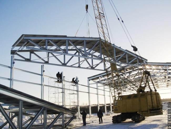Строительство ангара из ЛМК
