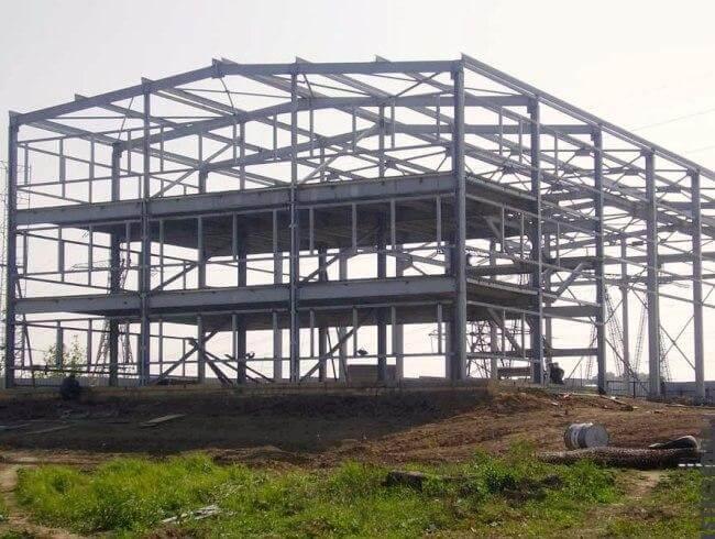 Построенное здание из ЛМК