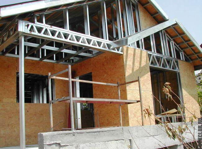 Дом из ЛСТК на последней стадии строительства