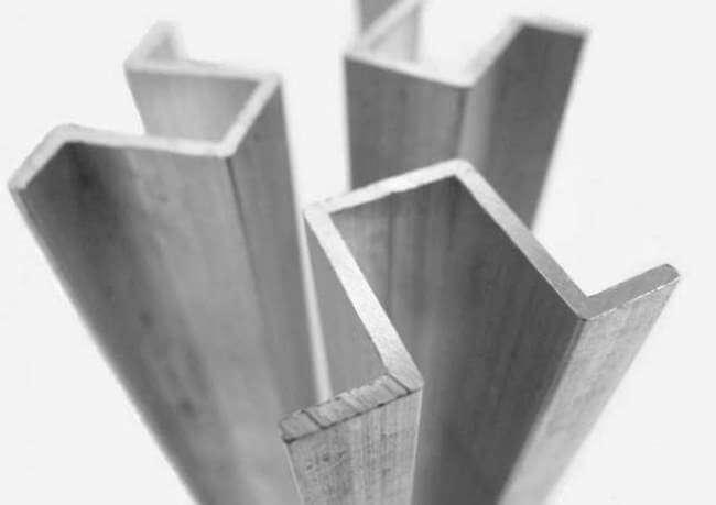 Гнутый профиль произведенный из стали