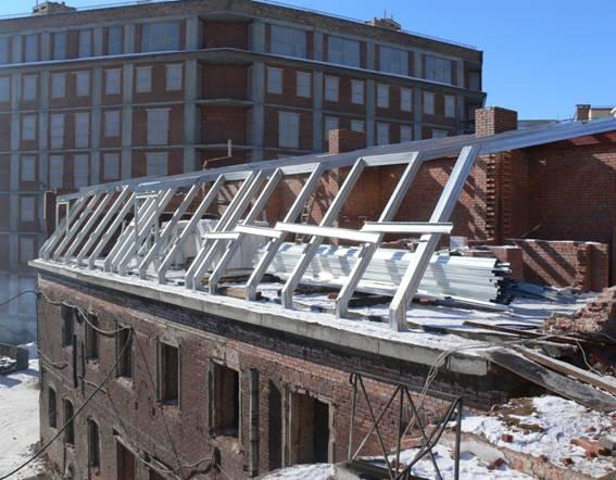 металлическая стропильная система крыши здания